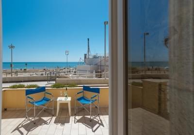 Casa Vacanze Apollo A 20 Metri Dalla Spiaggia Con Vista Mare
